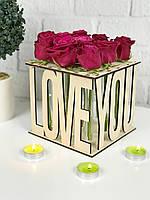 Оригинальная деревянная подставка для цветов со стеклянными пробирками