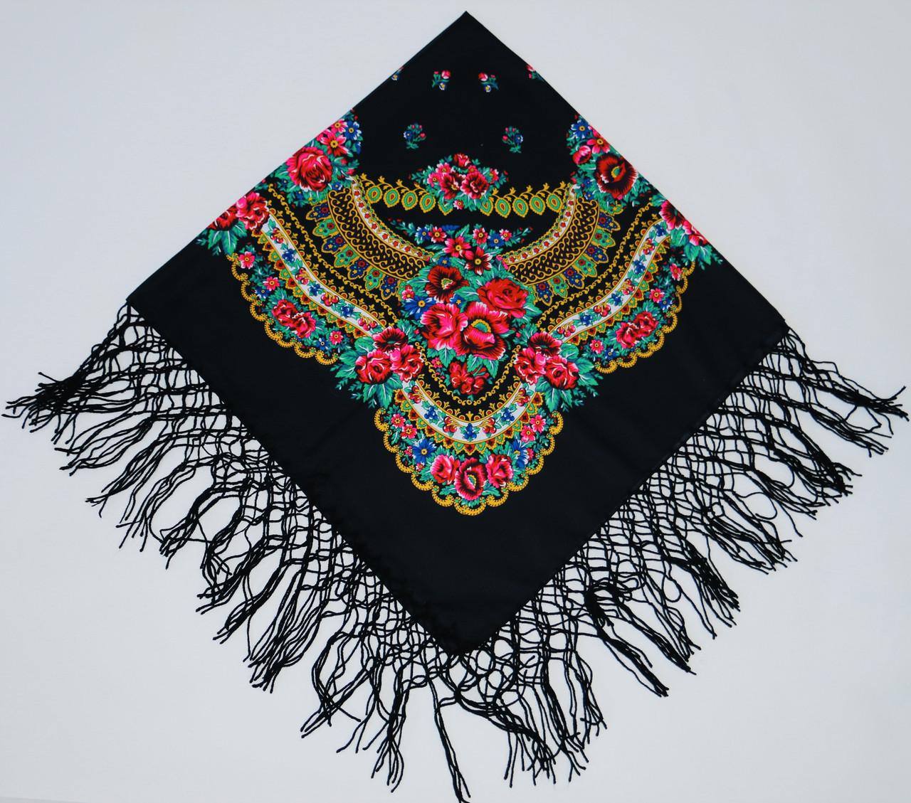 Хустка вовняна з плетеними тороками 120х120