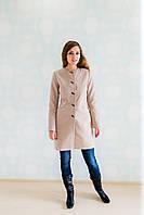 Стильное женское кашемировое пальто приталенного кроя.