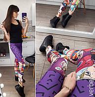Женский стильный фитнес костюм с комиксами (футболка+лосины)