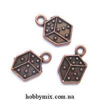 """Метал. подвеска """"кубик игральный"""" медь ( 0,9х1,5 см) 17 шт в уп."""