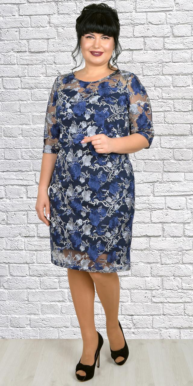 Женское платье с кружевными цветами сине-голубое 50-56