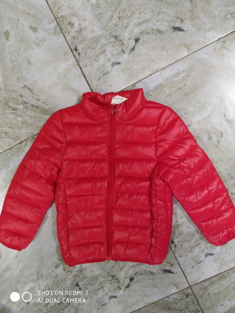 Куртка демисезонная на деток цвет красный