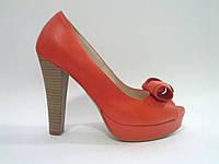 Кожаные польские женские модные стильные коралловые туфли с открытым носком 37р Kati