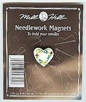 """MHMAG5 Магнитный держатель для игл """"Floral Heart//Цветочное сердце"""" Mill Hill"""
