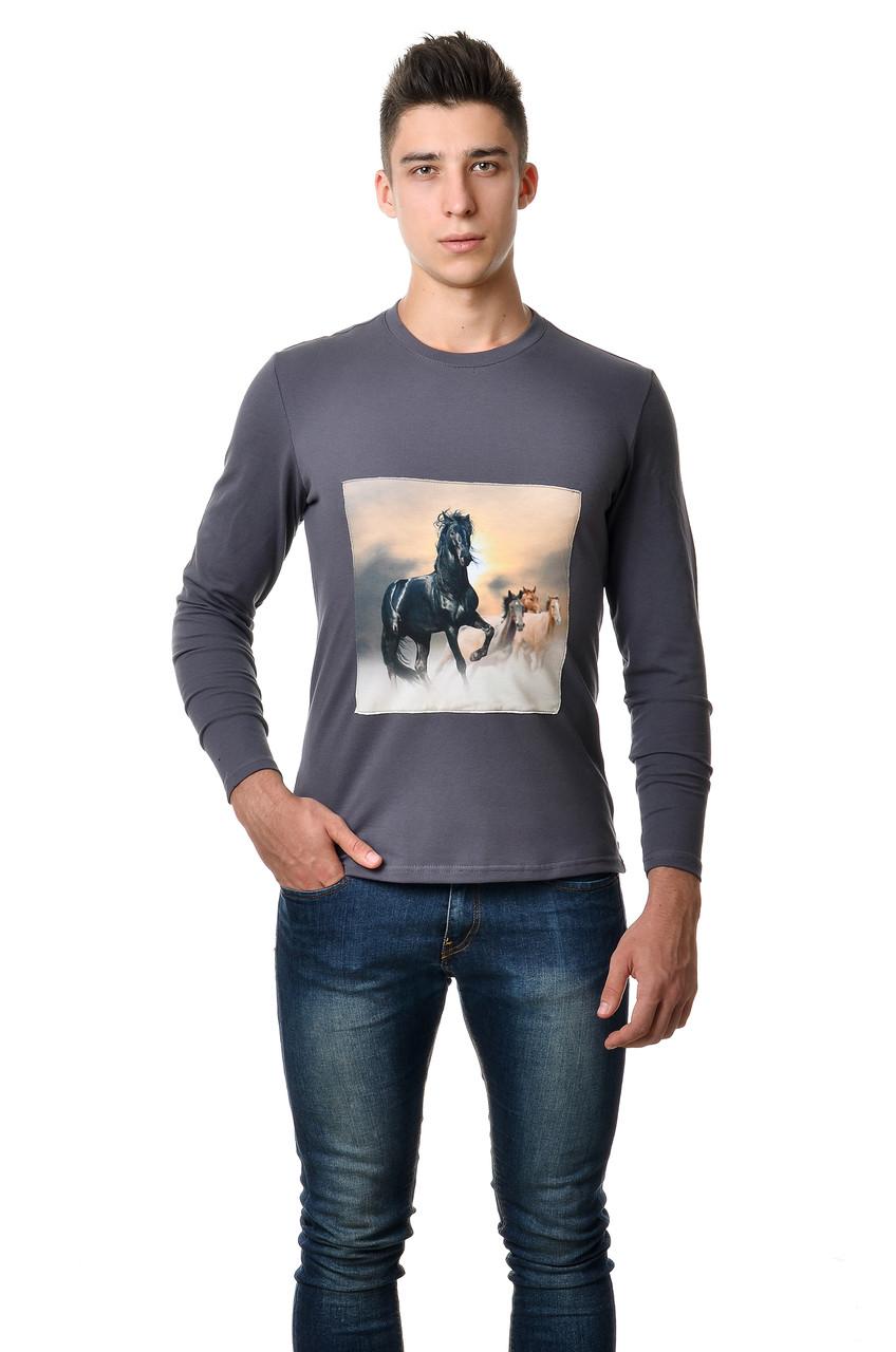 """Модна чоловіча бавовняна футболка з довгим завуженим рукавом з интиресным принтом """"коні""""на грудях сіра"""