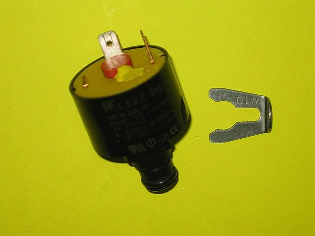 Датчик давления (под скобу) 39818260 Ferroli