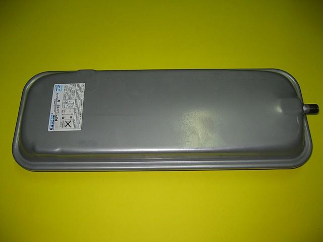 Расширительный бак 8 л 39812140 Ferroli Domicompact