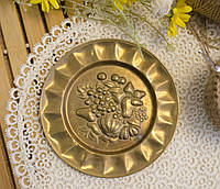Винтажная настенная бронзовая тарелочка с фруктами, бронза, Германия, 14,5 см, фото 1