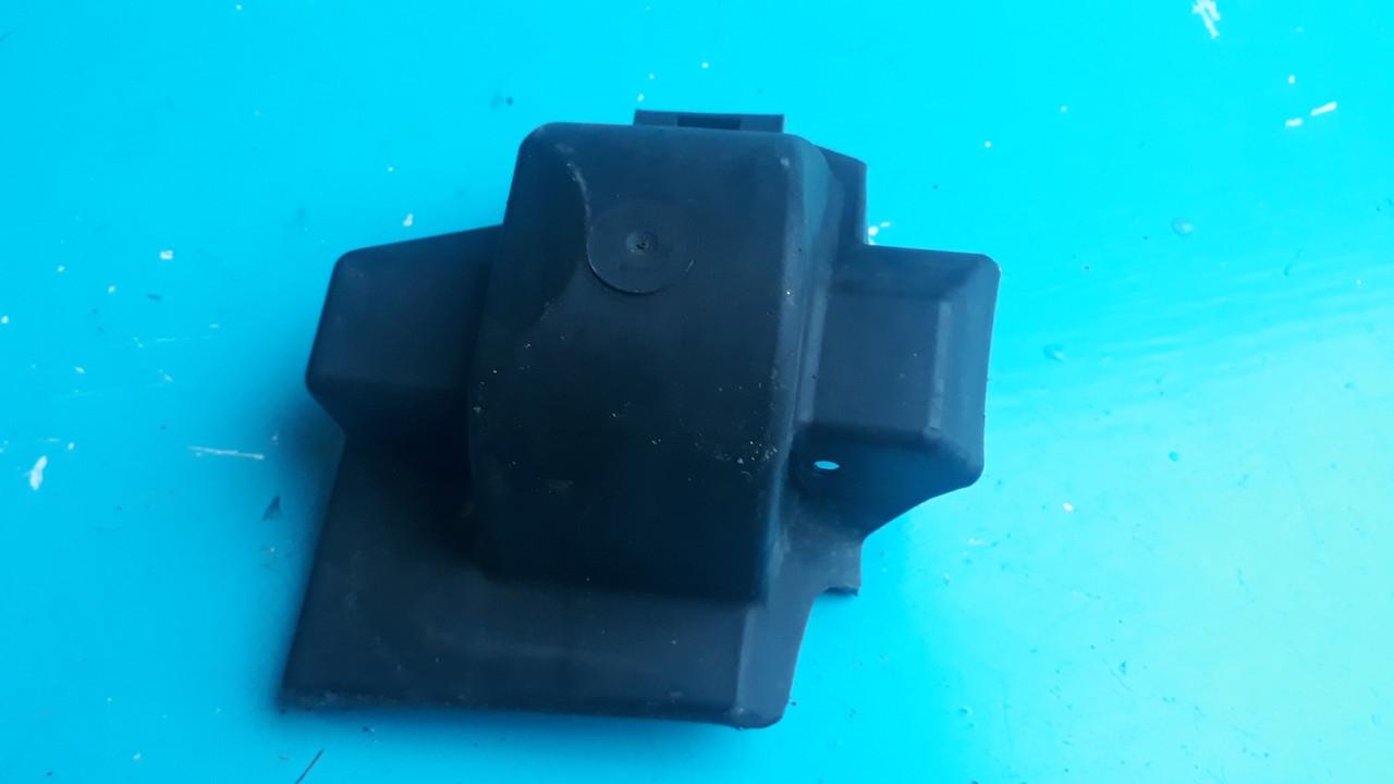 Щиток защита пыльник сайлентблока переднего левого рычага бмв е39 bmw e39 31141093275 1093275