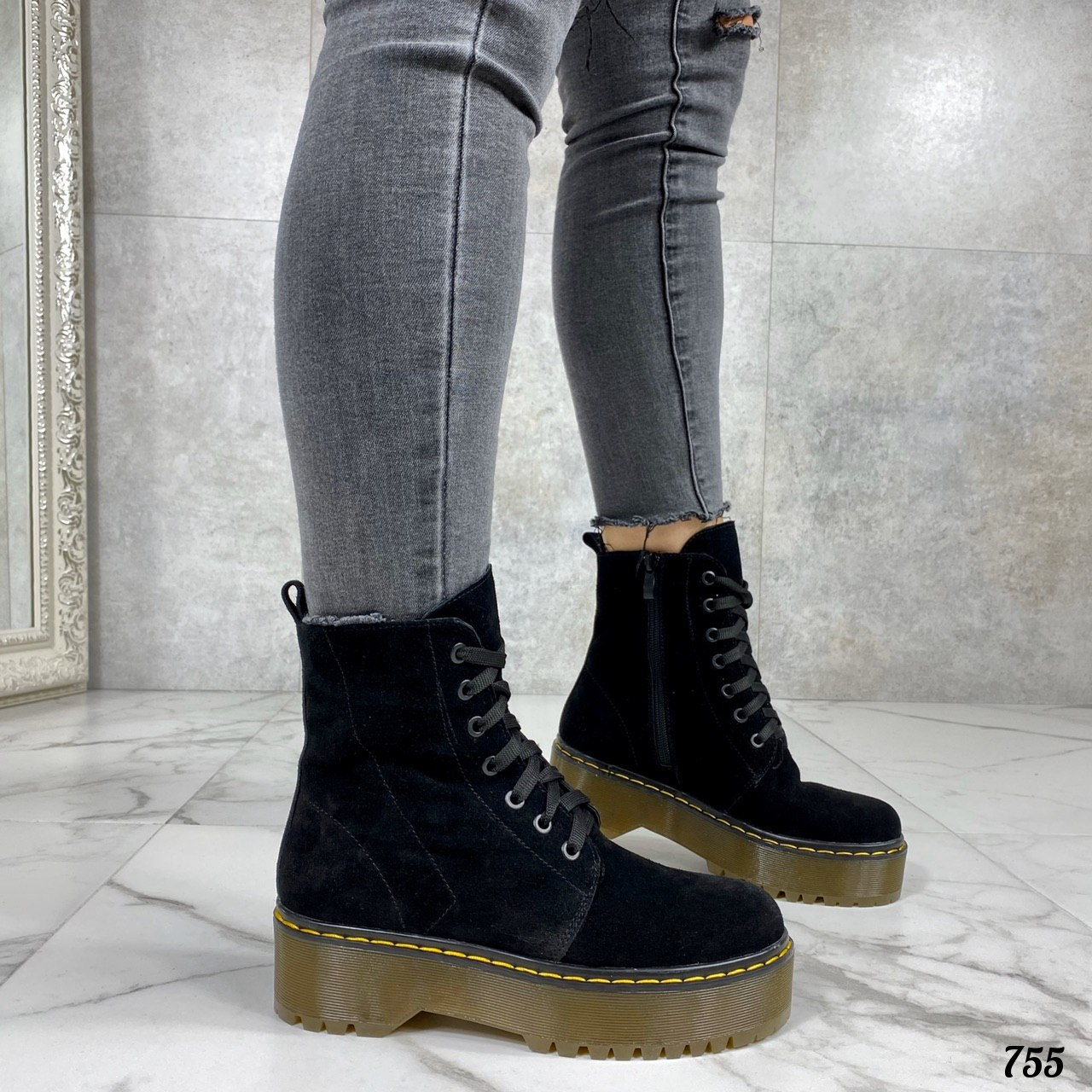 Женские ботинки ДЕМИ черные на шнуровке натуральная замша