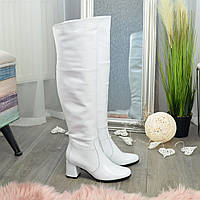 Ботфорты женские кожаные на невысоком устойчивом каблуке, цвет белый