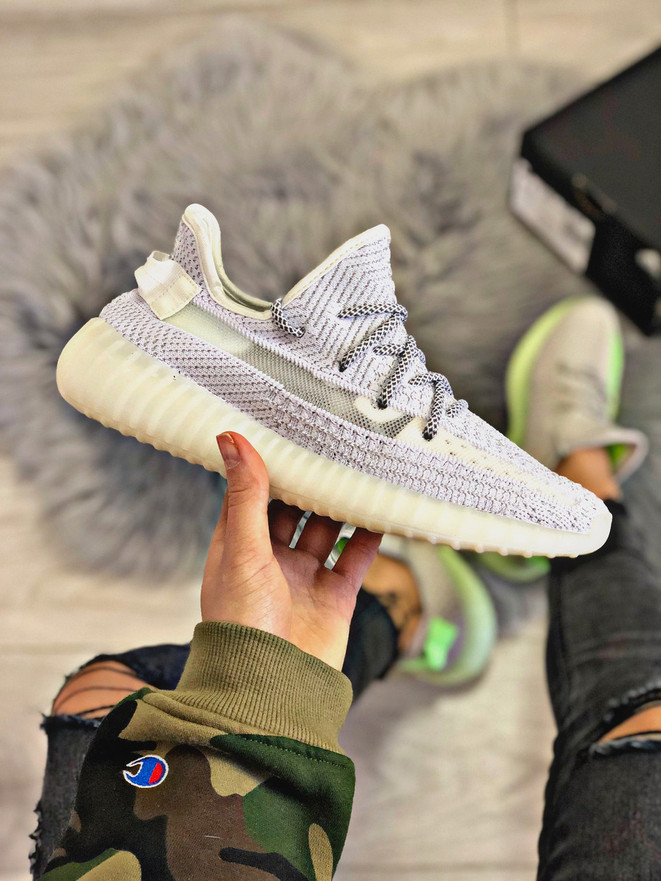 Жіночі кросівки Adidas Yeezy Boost 350 v2, Репліка