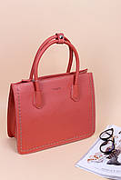 Милая классическая молодежная сумка в красном цвете