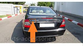 Mercedes E W211 W 211 Эмблема надпись на багажник E320 E 320 новая оригинал