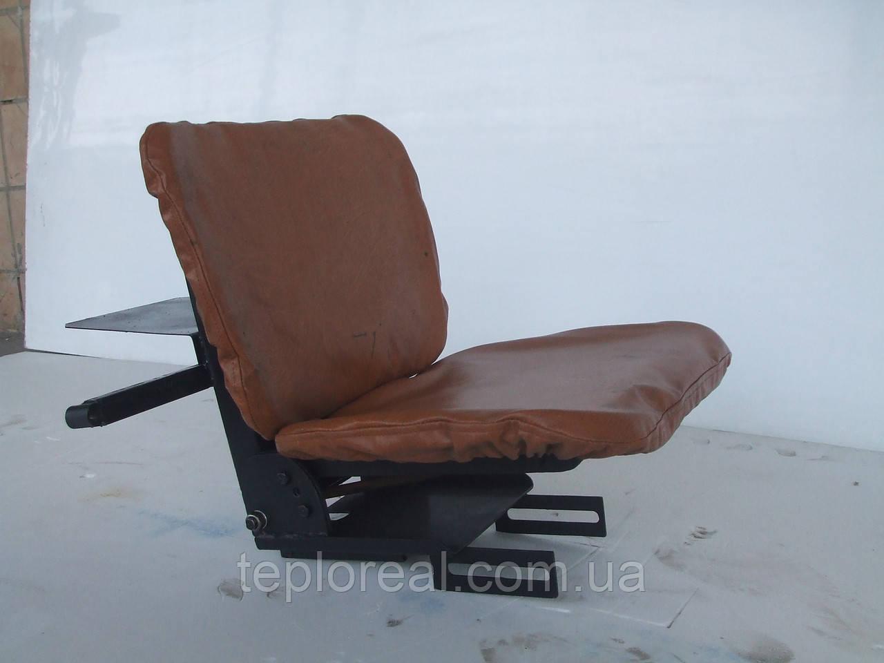 Сидіння для мототрактора (м'яке на аммортизаторе)