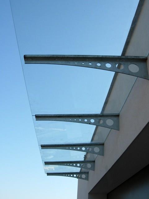 Стеклянные козырьки из нескольких стекол