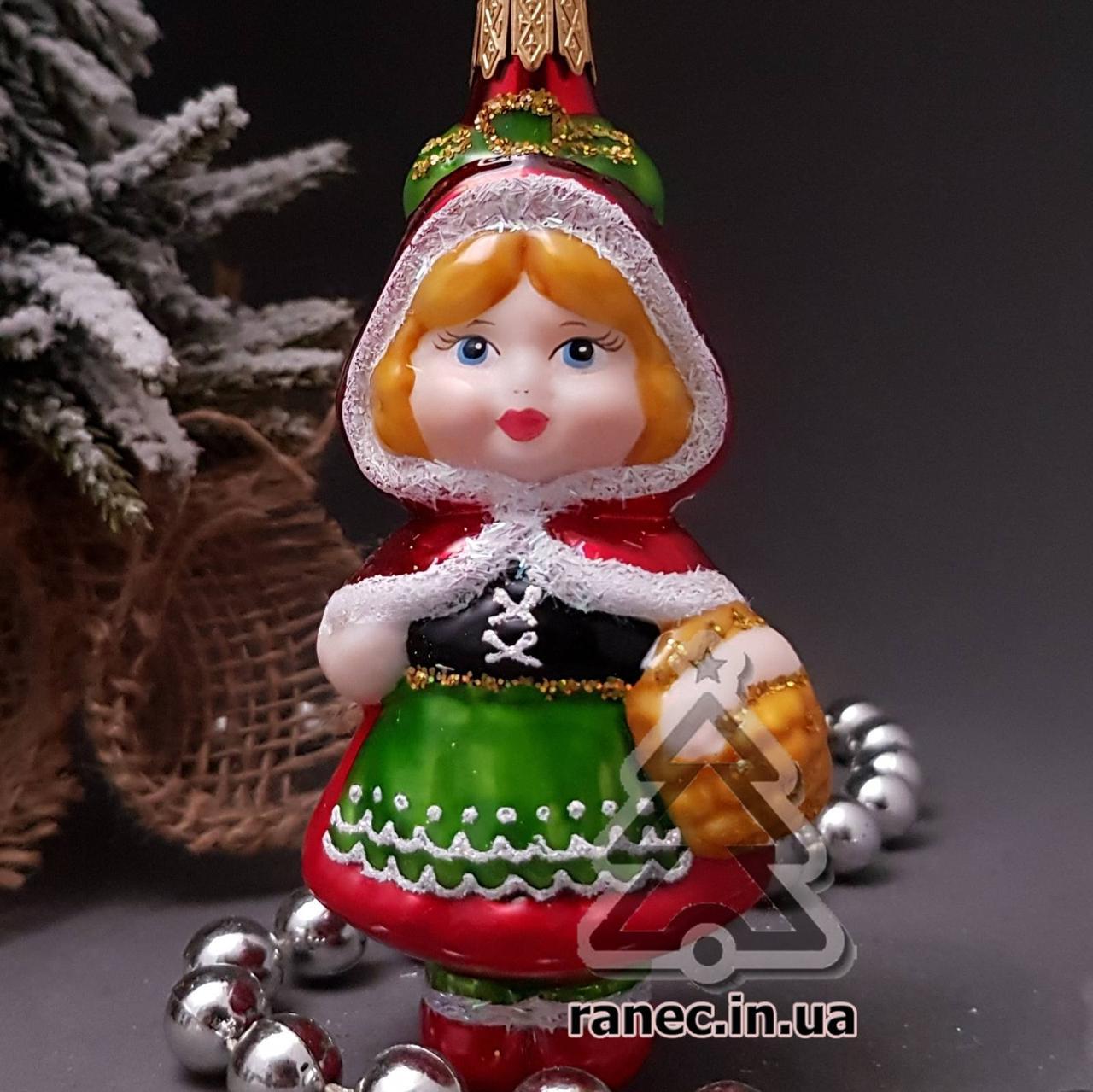 Стеклянная елочная игрушка Девочка в капюшоне 311/с