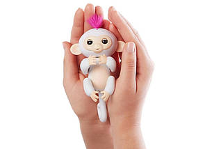 Ручная обезьянка на бат. Happy Monkey интерактивная (белый), фото 2