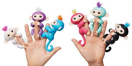 Ручная обезьянка на бат. Happy Monkey интерактивная (белый), фото 3