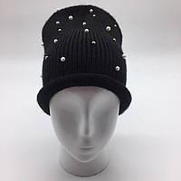 Женская шапка с жемчужинами черный