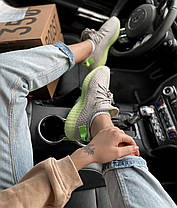Женские кроссовки в стиле Adidas Yeezy Boost 350 V2 Grey/Green, фото 2