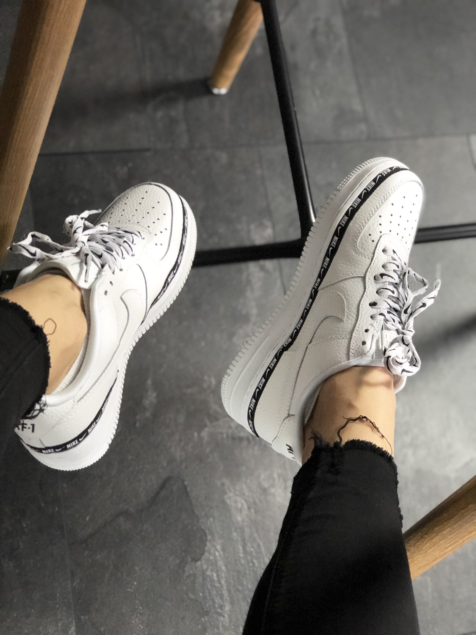 Кроссовки Nike Air Force 1 '07 Low SE Premium White Black 4