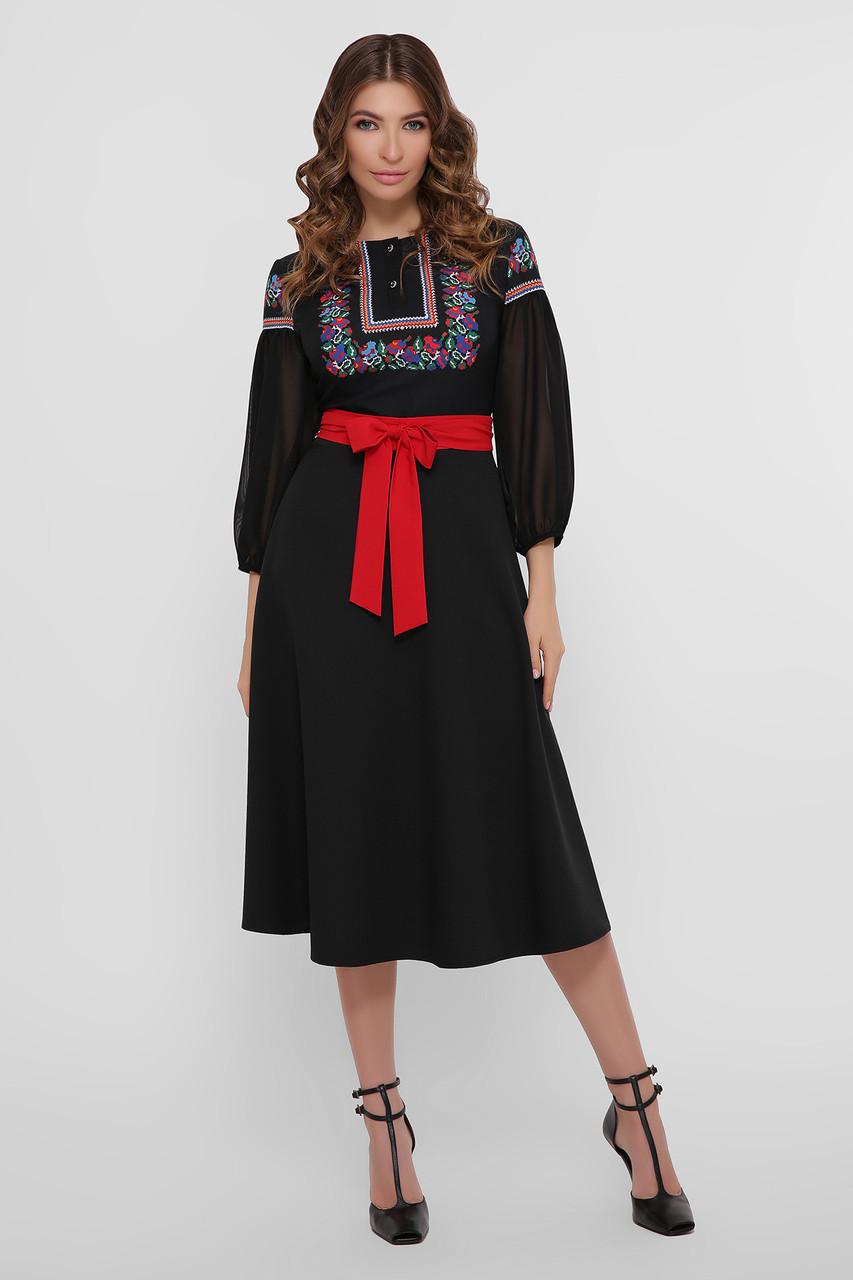 Нарядна сукня з принтом вишивки