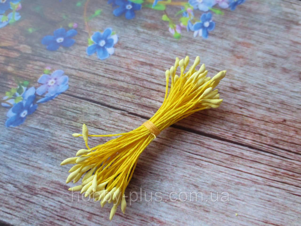 Тычинки мелкие, матовые желтые на желтой ните, 50 нитей, 100 головок