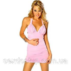 Секси розовое платье с открытой спиной.