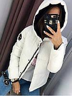 Женская весенняя куртка в расцветках цвет белый.