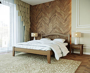 Кровать из бука с элементами ковки