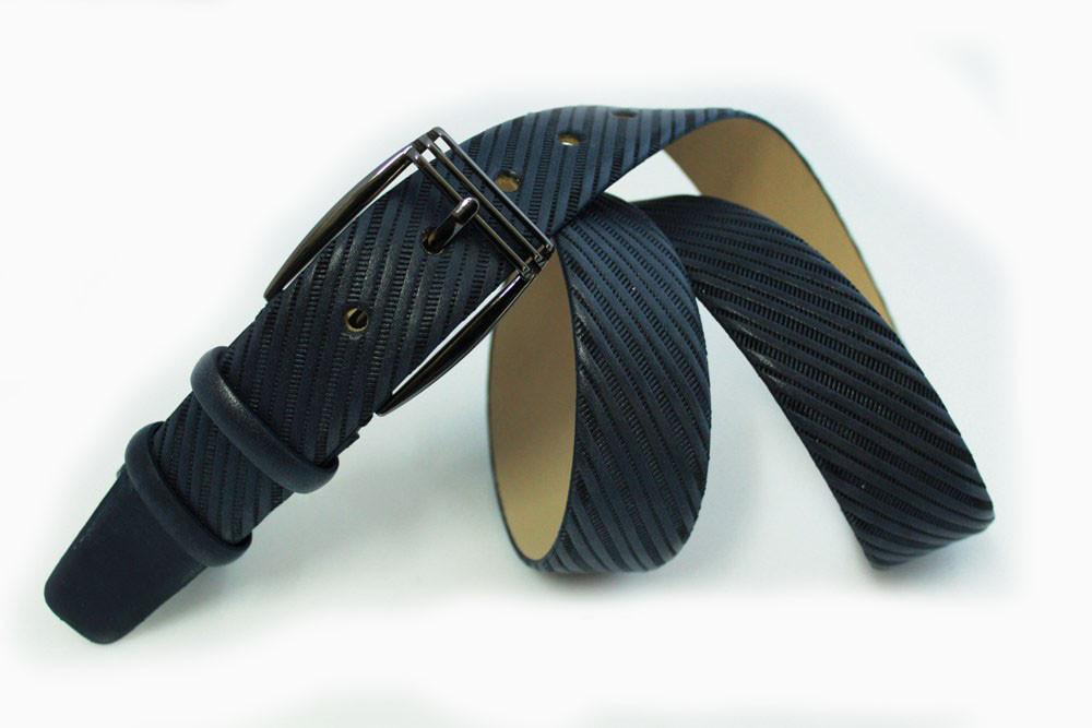 Классический кожаный ремень с тиснением