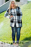 Женское легкое пальто большого размера Клетка черно-белое