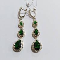 Серьги серебряные с подвесками и зелеными циркониями Мадлен