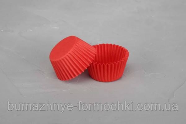 Красные формочки из пергамента, для конфет, 35х20 мм