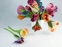 Цветок декоративный из шерсти