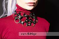 Чокер ожерелье кожаное с кольцами, колье, подвеска, классический чокер, колье из кожи, чокер женский