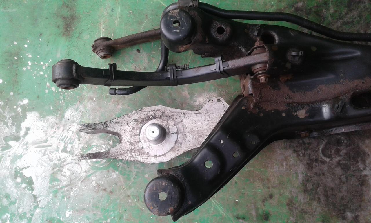 Б/у рычаг заднего подрамника для Opel Vectra C