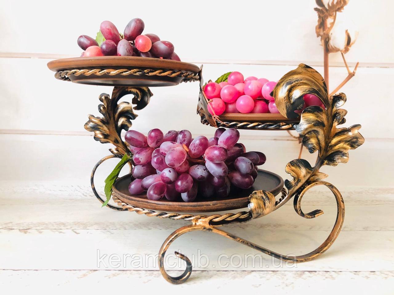 Кованая подставка с тарелками из красной глины 24*40*22 см