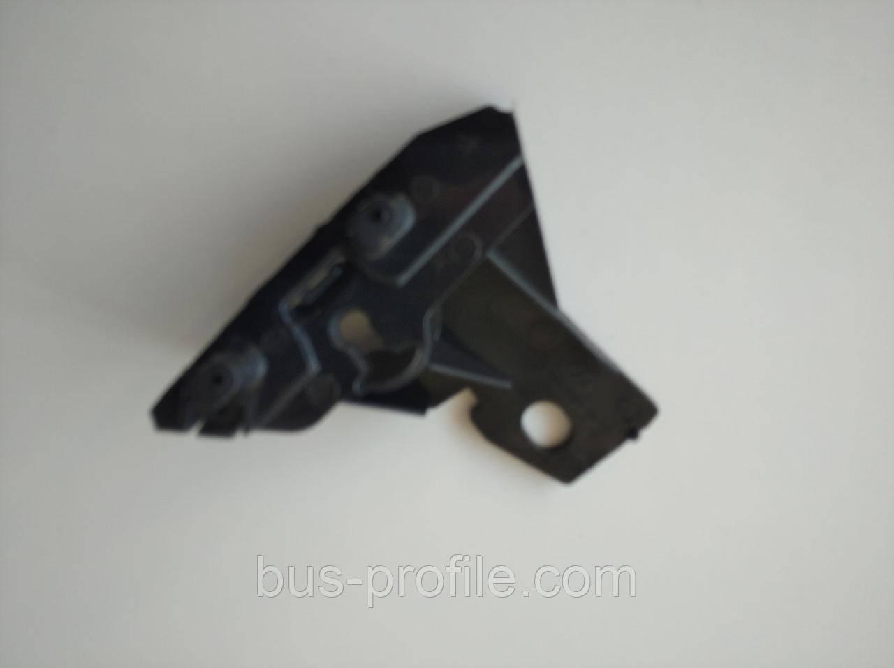 Крепление бампера L MB Sprinter 06- — ROTWEISS — RW88061