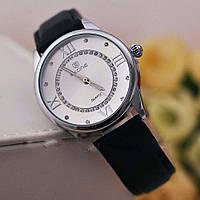 Часы классические с римскими цифрами