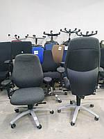 Ортопедичне крісло з підлокітниками Dauphin