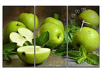 Стильные зеленые модульные часы картина 3 модуля, для кухни ReD Зеленые яблочки 90х60 см