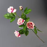 Розы красного оттенка искусственные на одной ветке 72 см