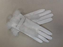 Женские кожаные перчатки белые с мехом