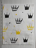 Отрез хлопковой ткани для рукоделия Короны на белом фоне  - 40*50 см, фото 1