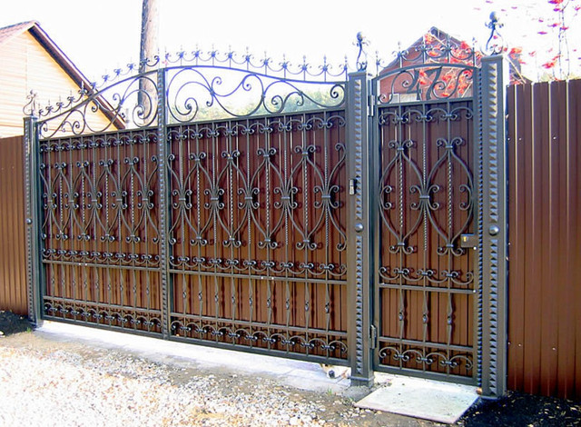 Откатные ворота комбинированные