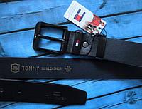Кожаный  мужской ремень с черной пряжкой Tommy Hilfiger черный