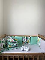 Наборчик бортики со съёмными наволочками на 4 стороны, простынка на резинке, подушечка.